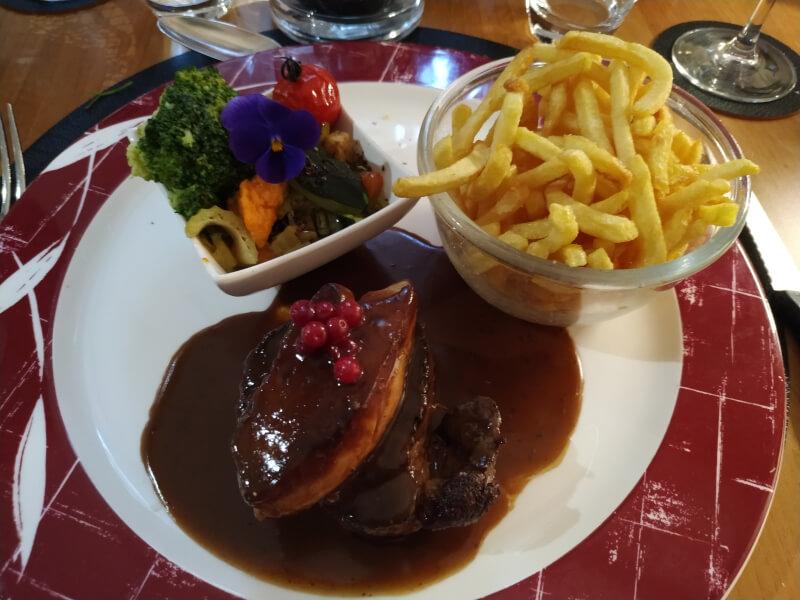 Repas d'anniversaire de Mariage - Filet de boeuf avec foie gras poêlé