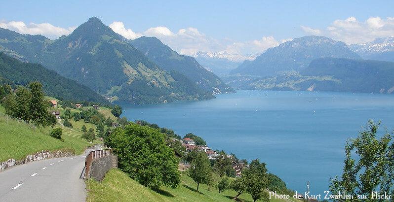 Vue sur le lac des quatre-cantons depuis le canton de Nidwald