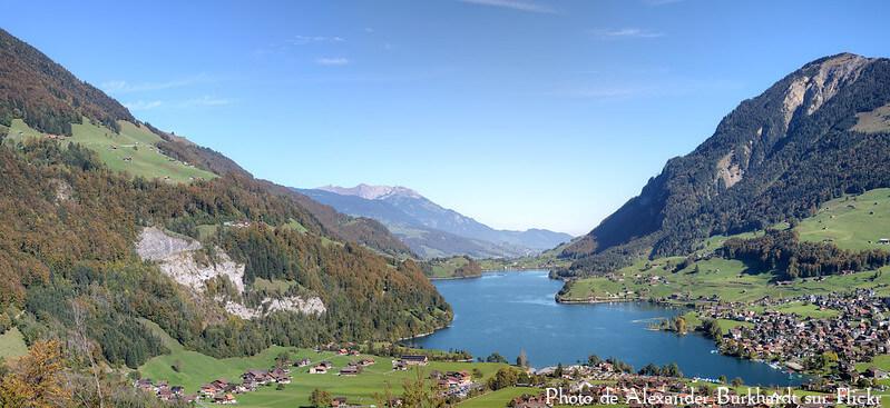 Vue sur le lac de Lungren dans le canton d'Obwald