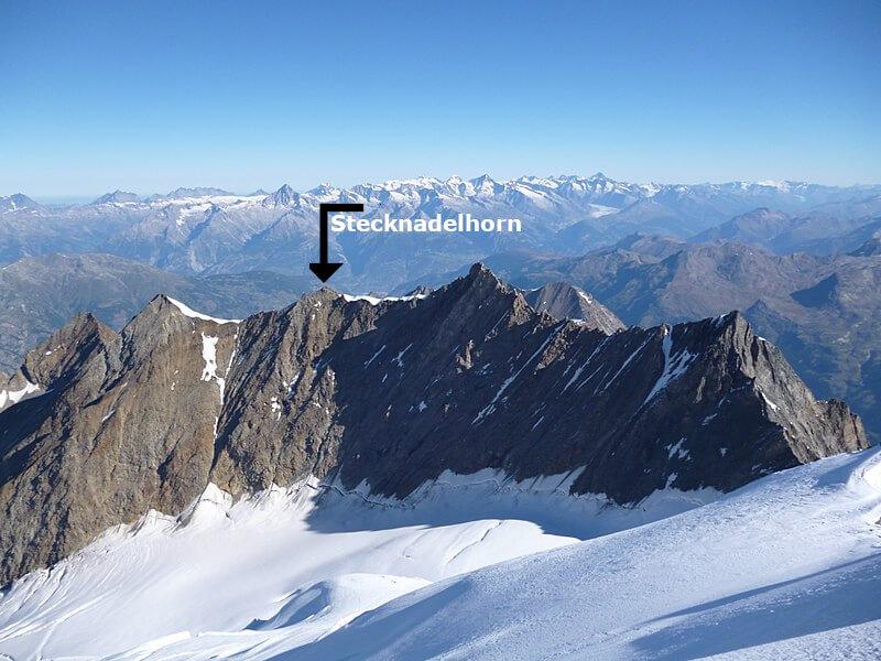 Le Nadelgrat avec le Stecknadelhorn