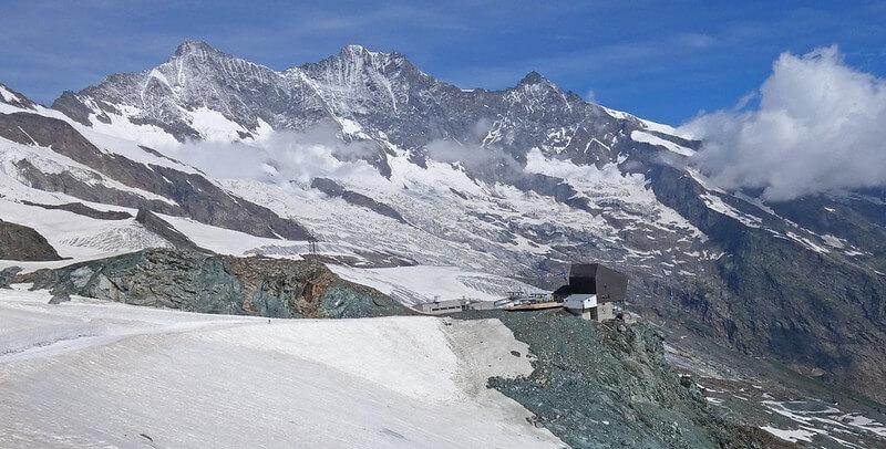 Vue du Lenzspitze depuis Felskinn