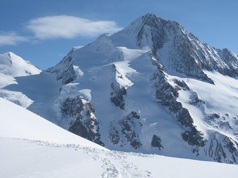 Vue du sommet du Finsteraarhorn